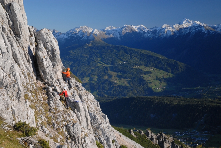 Mountaineering above the high plateau of Ramsau am Dachstein - organic farm Rupbauer